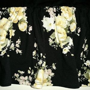 Cozy Connection Tops - Cozy Connection Floral Ruffle Top Size 3X Plus